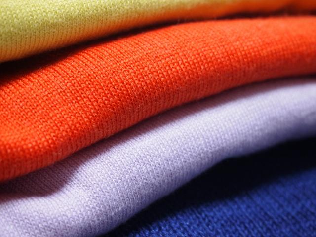 衣類や鞄を収納中のカビや劣化から守る